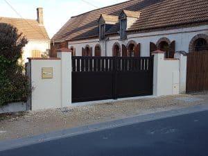 Poline entreprise : Réalisation d'une clôture avec portail alu à Nouan le Fuzelier (41600)