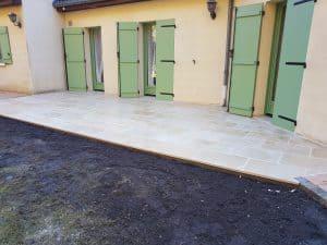 Poline entreprise : Réalisation d'une terrasse en Travertin à Salbris